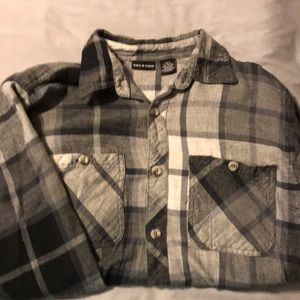 Vacation Shirts - Flannel Shirt - Size Medium - Grey/Charcoal